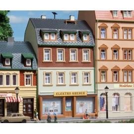 Жилой дом с магазином Auhagen 12252