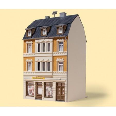 Трехэтажный коммерческий дом Auhagen 12253