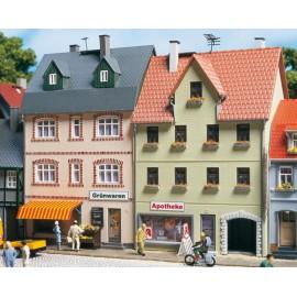 Фрагмент улицы из двух домов Auhagen 12345