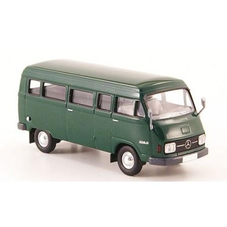 Автобус Mercedes L 206D Kombi темно-зеленый 1970 BREKINA 13250