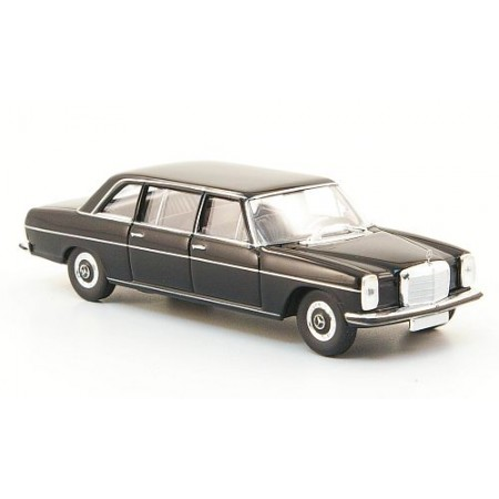 Автомодель Mercedes 220 D lang (W115) черный BREKINA 13401