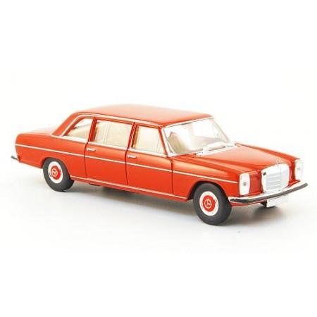 Автомодель Mercedes 220 D lang (V115) красный BREKINA 13402