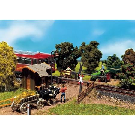 Сельский железнодорожный переезд Faller 120170