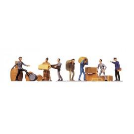 Работники с грузом Faller 151001