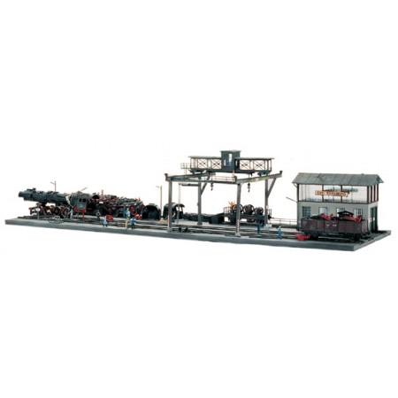 Склад металлолома локомотива Piko 61103