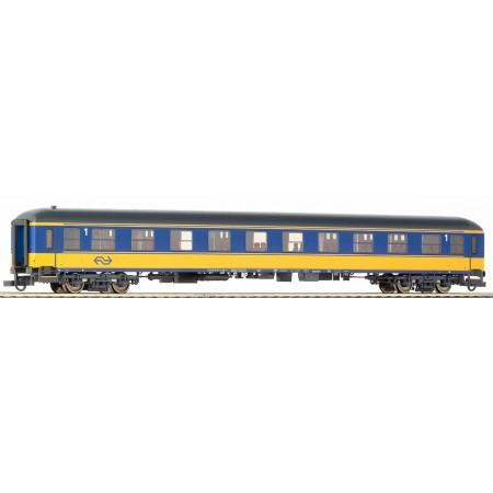 Пассажирский вагон экспресс-поезда NS Roco 45141