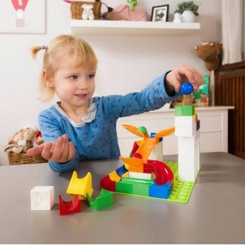 Детям полезно играть в конструктор